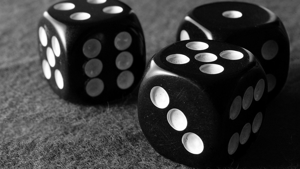 Monte Carlo Simulations for Portfolios – The Power of Big Numbers (Part 1)